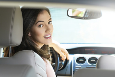 184809154-female-driver